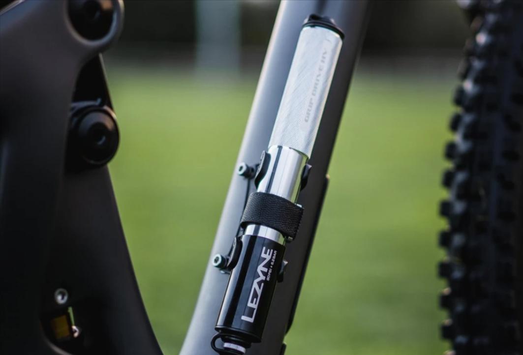 Pompki rowerowe – rodzaje i właściwości